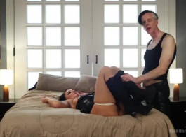 ريفر تمارس الجنس بشكل عرضي مع رجل أسود وسيم ، ليوم صديقها