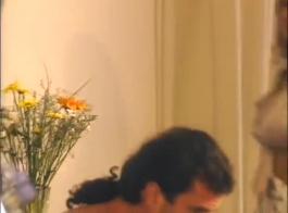 ليزا رافالي تأخذ ضخمة سوداء دونغ في مؤخرتها وجمل صغير