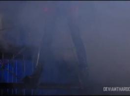 تحصل جانيس على عربدة فيديو إباحية بعد أن قامت بكل من التمدد واللعنة ، في نفس الوقت