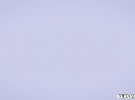 فانيسا كيج استغل من قبل الديك الأسود الضخم