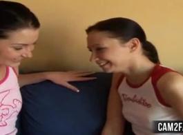 مثليات في سن المراهقة مثير اللعب بعضها البعض
