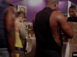 وسيم ، مسمار أسود يمارس الجنس بوحشية مع امرأة عاهرة ذات شعر أحمر في منتصف النهار