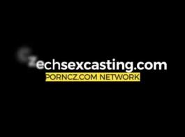 يتأهل نموذج التشيكية يحصل بوسها اصابع الاتهام ومارس الجنس