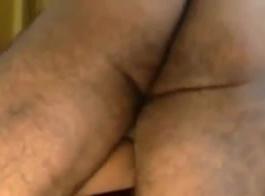 امرأة هندية شقراء ، تحب سونيا أن تنشر ساقيها على أوسع نطاق ممكن ، وأن تمارس الجنس بقوة