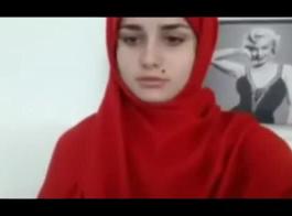 بنات عرب يستمنو