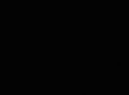 فتاتان بصورة عاهرة ذات ثدي ضخم تمارسان الجنس الثلاثي مع أعز أصدقائهما