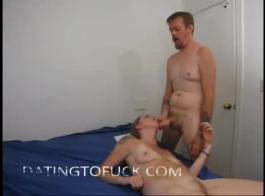 المراهقين مفلس مارس الجنس معا من قبل صديقهم الجيد