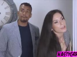 سيئة سمراء فاتنة هو وجود بوسها يمسح ومغطاة بالزيت قبل أن تحصل مارس الجنس من الصعب