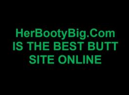 امرأة سمراء شقية تمتص ديك شخص غريب بعد أن مارس الجنس مع عقولها القذرة