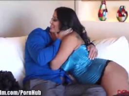 ميا امرأة سمراء مراهقة حلوة تحب ممارسة الجنس كل يوم