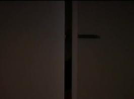 جوليا روز تمارس الجنس مع جارتها المتزوجة بينما زوجته في العمل