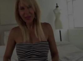 ترتدي نجمة البورنو الشقراء الساحرة داكوتا سكاي أفضل ثديها الكبير وتمارس الجنس معها كما لم يحدث من قبل