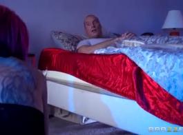 امرأة سمراء موشومة ، آنا دي فيل تحب ممارسة الجنس الشرجي مع رجل تحبه كثيرًا