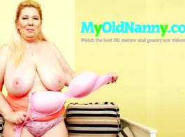 الجدة مفلس ترضي الجار في الحمام الذهبي
