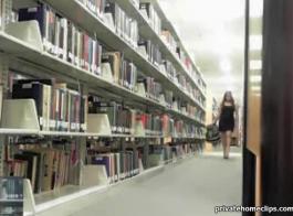 مثير مكتبة أشرطة الفيديو عارية
