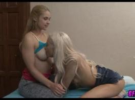 شقراء ناضجة وصديقها الأسود يلعبون مع لعبة الجنس، ويمين من المتعة