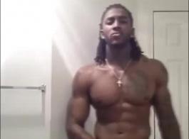 الرجال السود وسيم في اللعنة الجماعية