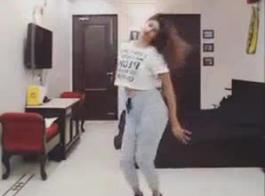 هندي رقصXXX
