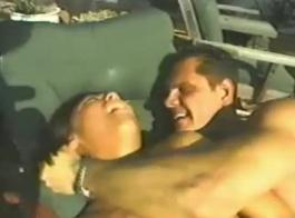 ضئيلة الإيطالية كبيرة الحلمه في سن المراهقة الجبهة يحصل مفلس الحمار مارس الجنس