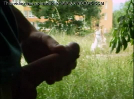 جمهورية التشيكية تلتهم الدهون الأسود في سن المراهقة الهرة