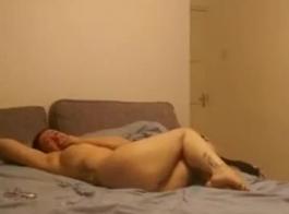 أفضل الأصدقاء يمارسون الجنس مع الثقوب في المنزل