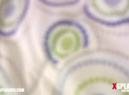 دسار زجاجي غير خاضعة للرقابة جبهة مورو على طاولة التدليك يشعر ثدي مارس الجنس من الصعب كس مارس الجنس كس مشعرات اللعنة مع استخدام الجنس لعبة الجنس الشرجي