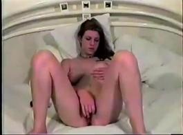 صغيرتي فاتنة متع نفسها ومارس الجنس شرجيا