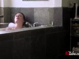سكس اخوات بالحمام 2020