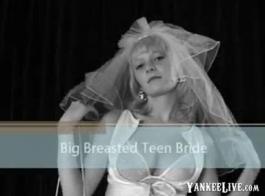 في سن المراهقة مع الثدي الطبيعية الكبيرة تريد رجلها يمارس الجنس معها بشدة