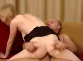 الجنس الشرجي المتشددين لشخص مع 3 ديكس